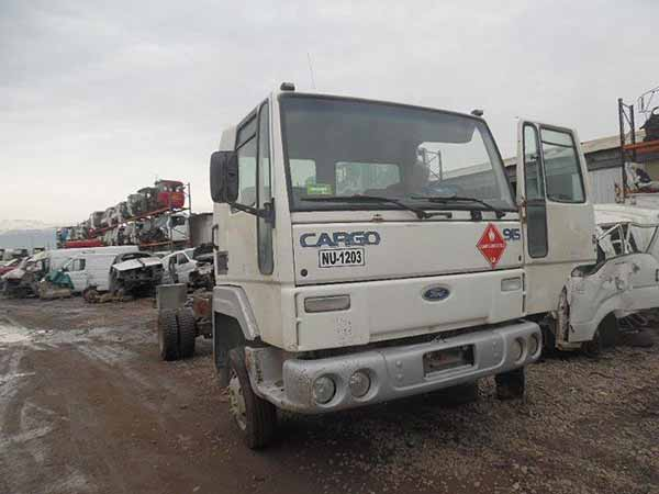 Ford Cargo 915 2006 -